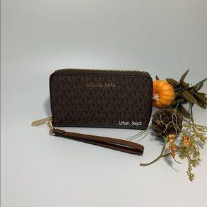 Michael Kors JST Large Flat Phone Wallet